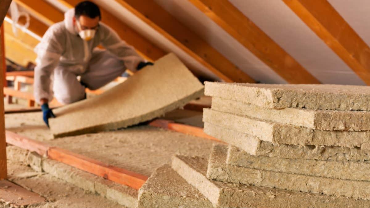 Installation de l'isolation du toit de son logement