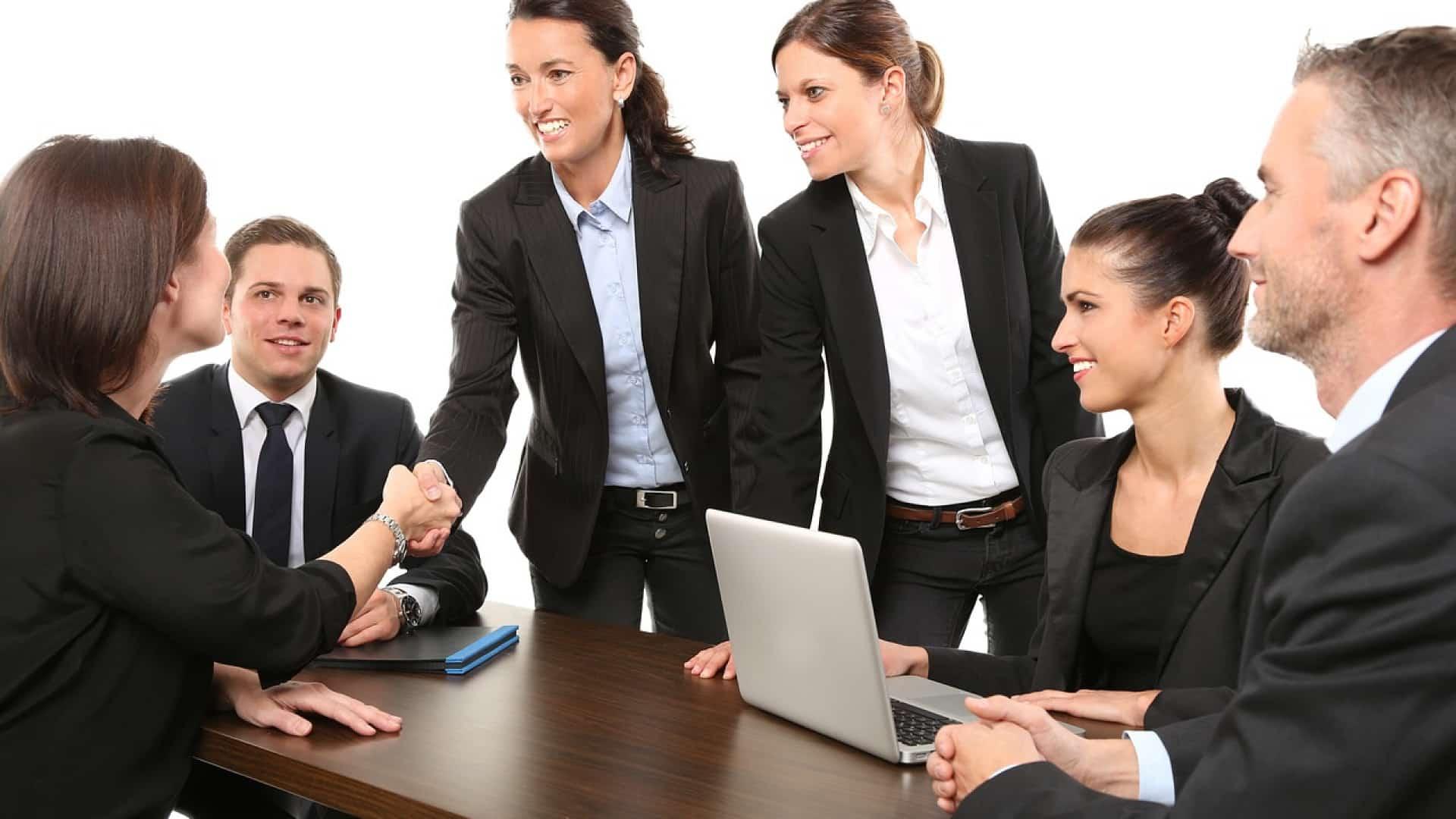 Des collaborateurs dans le secteur de l'immobilier