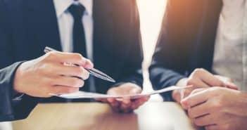 Comment décrypter les clauses des contrats et des règlements de copropriété ?