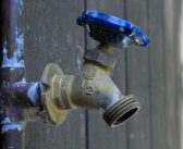 La fluorescéine, une technique pour rechercher des fuites d'eau à moindre coût